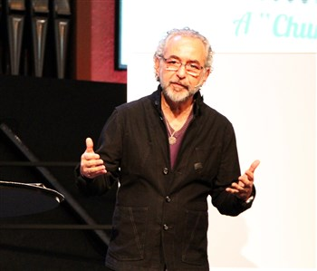 Alan Hirsch speaking at Missio Ecclesia
